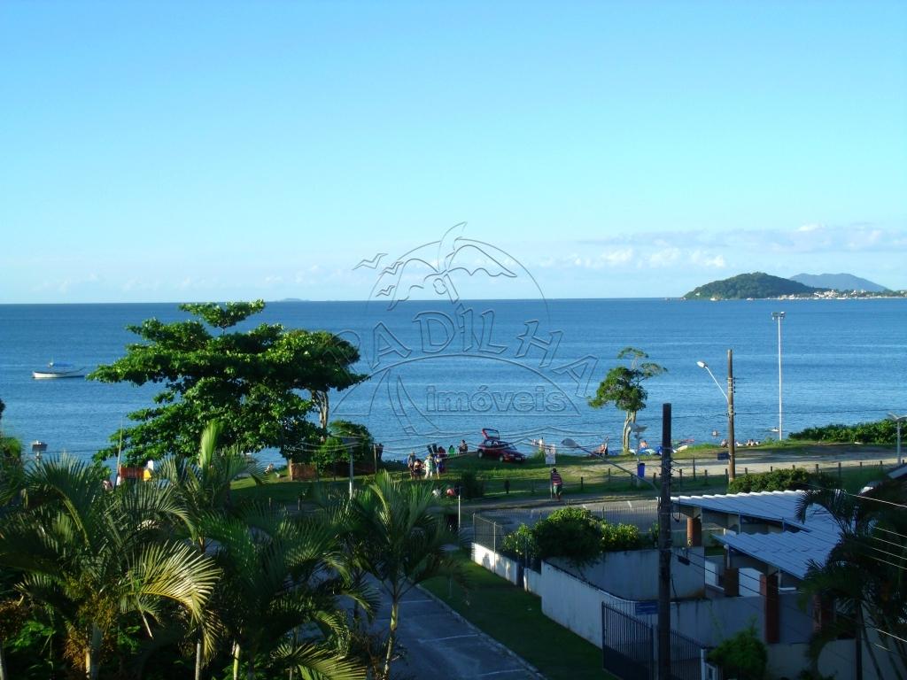 Cobertura vista para o mar